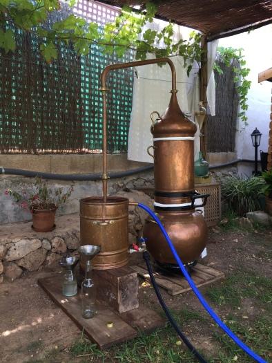 alambique de cobre destilacion de plantas medicinales