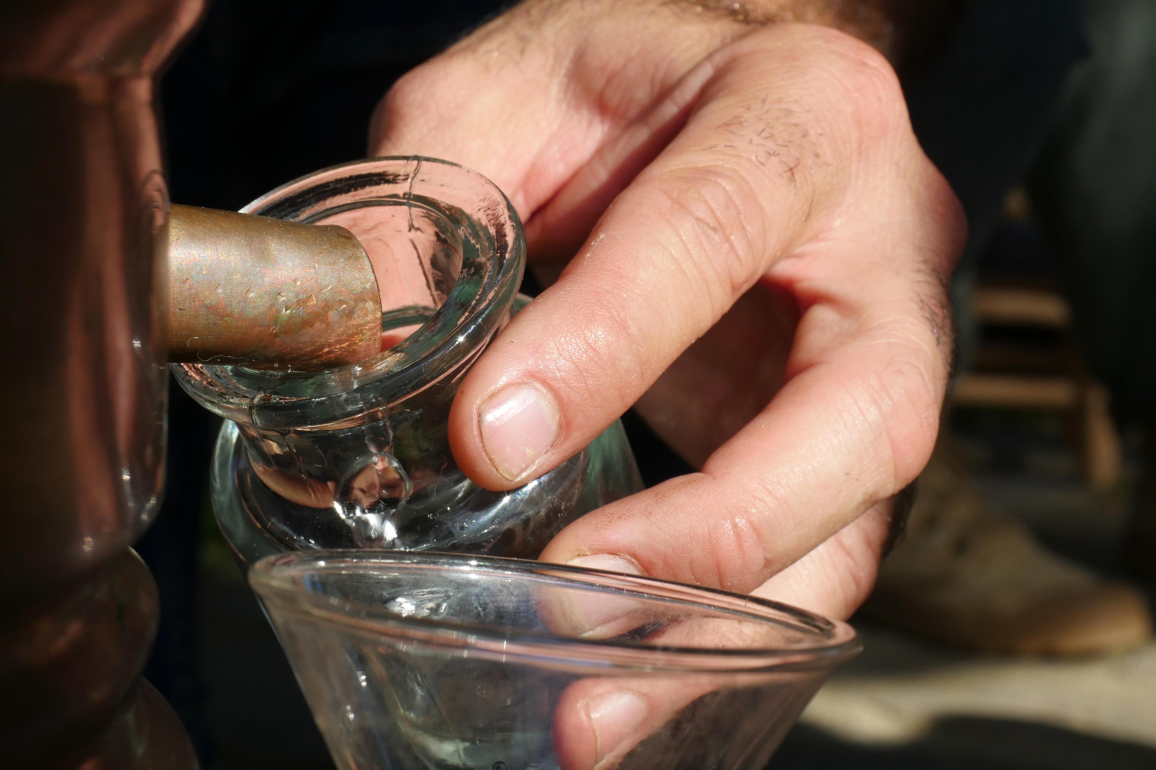 agua y aceite esencial de romero silvestre